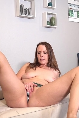 alisha-adams-sucks-daddys-cock-HD