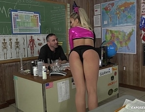 carmen-caliente-cheerleader-blowjob-HD